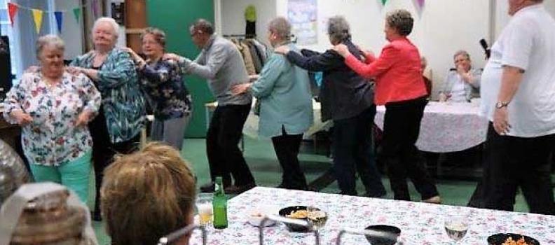 Op 13 april 2018 was het dan zover: een gezellige dans muziekmiddag met Ton de Wit