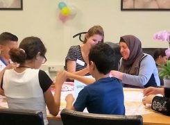 Project 'Sport en gezondheid voor ouderen in de wijk' van St Move, een spelletjesmiddag met kinderen van OBO de Gagel en Turkse vrouwen